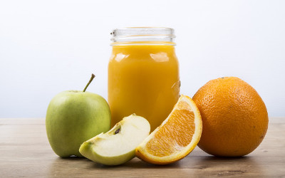 Chronique dentaire: le jus de fruit sans sucre ajouté est-il vraiment néfaste pour les dents ?