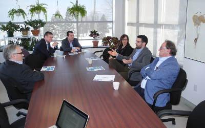 Sylvain Rochon et Alain Therrien rencontrent des PME de Richelieu, créatrices de richesse et d'emplois