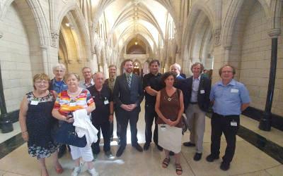 Visite du parlement: Xavier Barsalou-Duval reçoit des citoyens à Ottawa