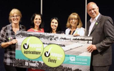 Débat sur les enjeux agricoles: les agriculteurs questionnent les candidats sur le pôle logistique