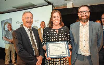 Une professeure du Cégep de Sorel-Tracy reçoit une Mention d'honneur de l'AQPC