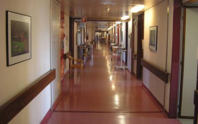 Pandémie de la COVID-19: plus de la moitié des résidents des CHSLD du Québec ont été vaccinés