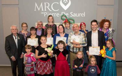 À l'occasion de la Grande semaine des tout-petits, la MRC de Pierre-De Saurel remet 14 certifications familles dans la région!