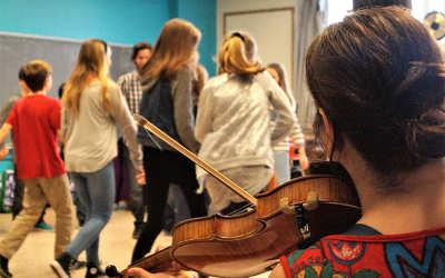 Chants de Vielles en action dans sa communauté