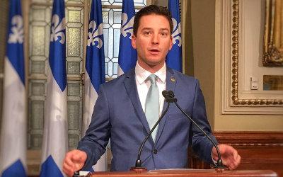 Le ministre Simon Jolin-Barette a présenté son projet de loi