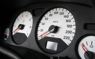 Consultation sur la proposition de limite de vitesse à 120 km/h sur l'autoroute: «L'état doit être conséquent avec les règles qu'il édicte»