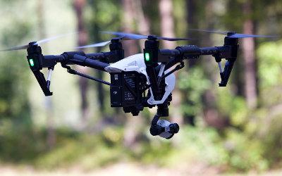 Drones au-dessus des établissements de détention du Québec: Stéphane Bergeron réclame la mise en place immédiate de mesures visant à contrer le phénomène