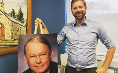 Photo de Bernard Landry au bureau de circonscription fédéral: à la mémoire de Bernard Landry