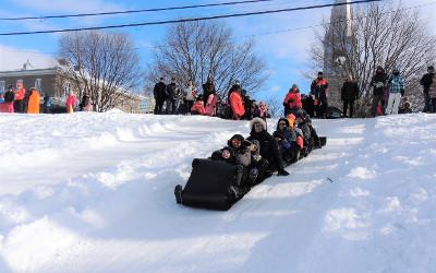 La Fête des Joues rouges: les joies de l'hiver avec une magnifique vue sur le Saint-Laurent