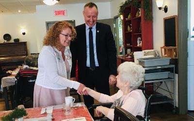 Le député Jean-Bernard Émond reçoit la visite de la ministre Marguerite Blais dans sa circonscription