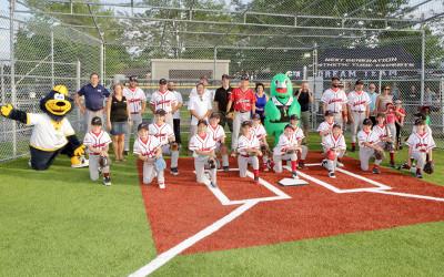 Varennes: inauguration du deuxième terrain de baseball synthétique au parc du Pré-vert