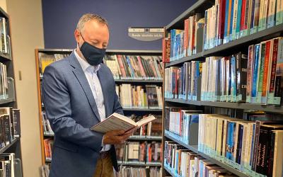 Le député Jean-Bernard Émond annonce une aide financière de plus de 169 000$ aux bibliothèques Le Survenant et Marie-Didace