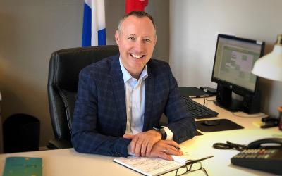 Le député Jean-Bernard Émond annonce un investissement de 510 219 $ à L'Orienthèque pour une meilleure intégration des personnes immigrantes dans la région